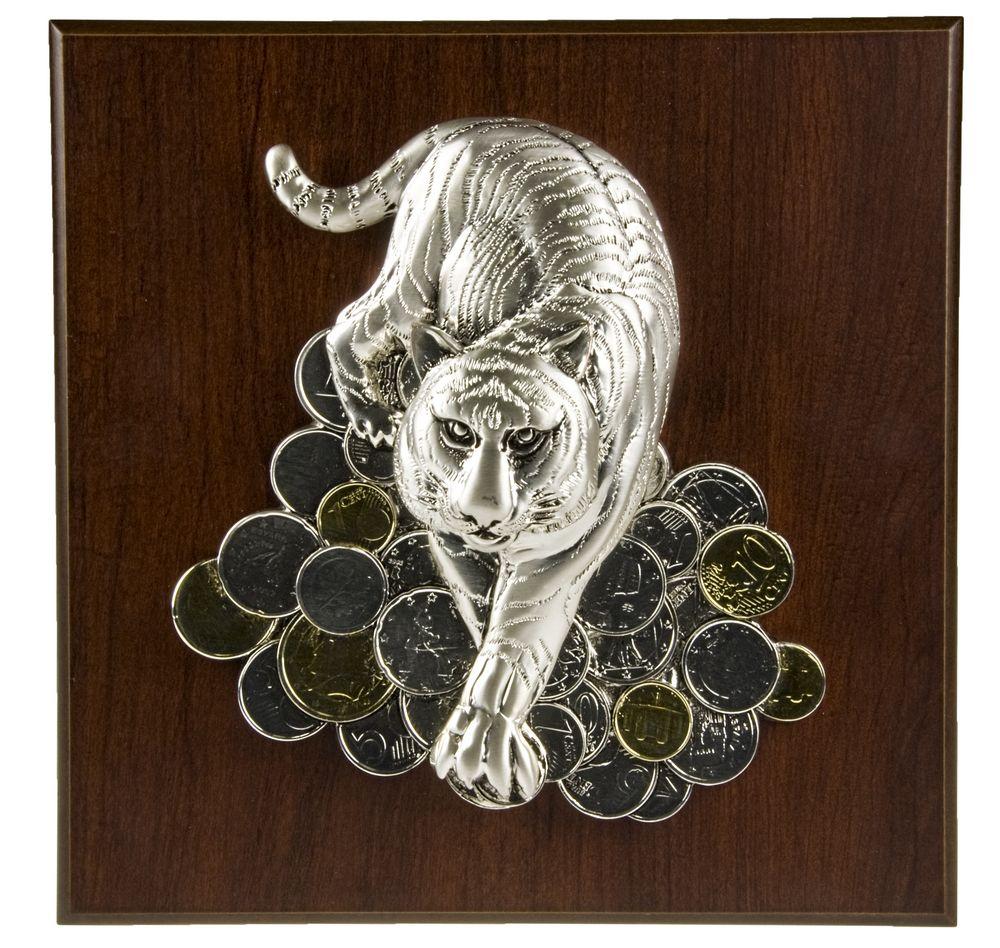 Плакетка большая «Тигр на монетах» фото