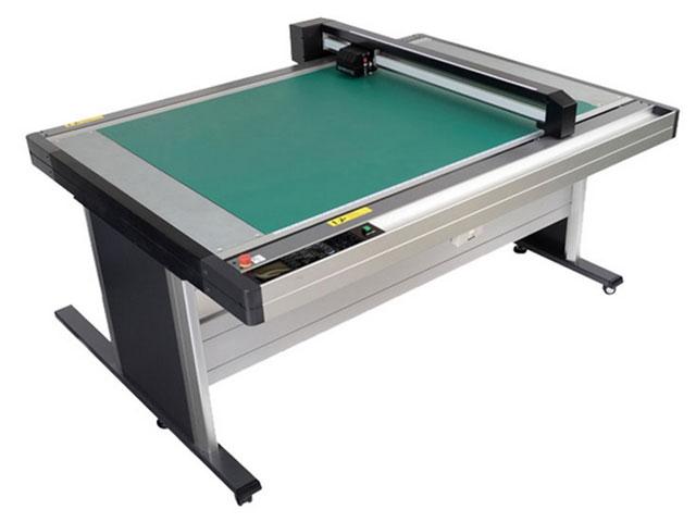 Graphtec FCX2000-120ES.