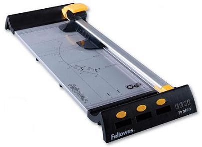 Fellowes Proton A3 резак сабельный fellowes® stellar a3 20 листов длина резки 455 мм safecut™guard